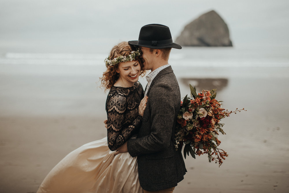 Cape Kiwanda - Elopement - Oregon - Wedding Photographer - Pat Cori Photography-7.jpg