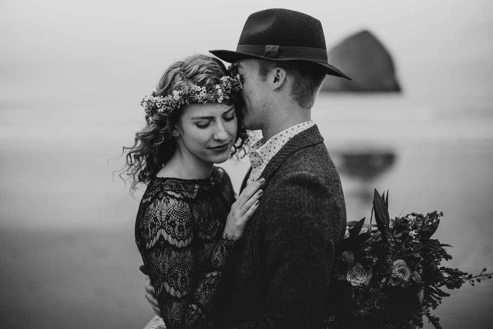 Cape Kiwanda - Elopement - Oregon - Wedding Photographer - Pat Cori Photography-8.jpg