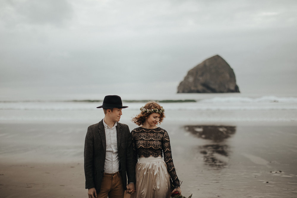 Cape Kiwanda - Elopement - Oregon - Wedding Photographer - Pat Cori Photography-19.jpg