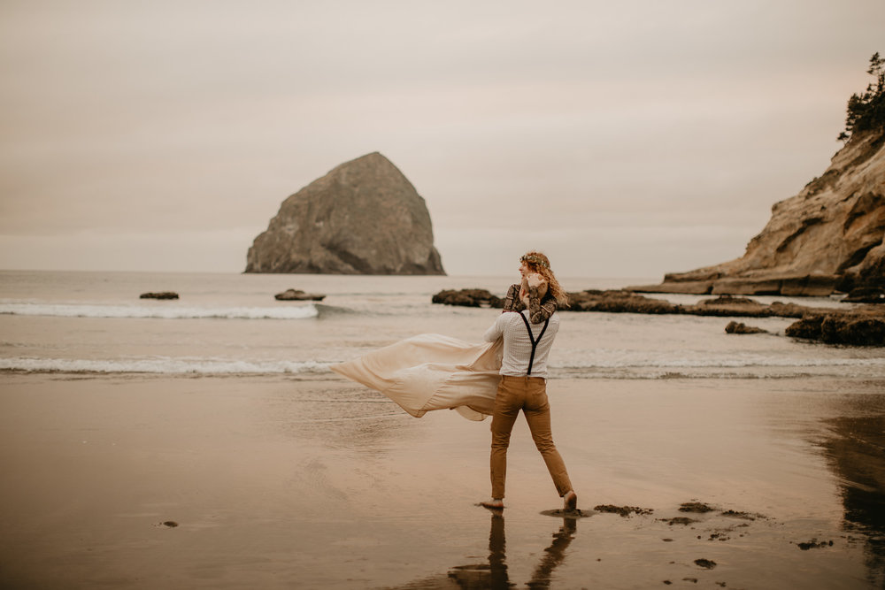 Cape Kiwanda - Elopement - Oregon - Wedding Photographer - Pat Cori Photography-75.jpg