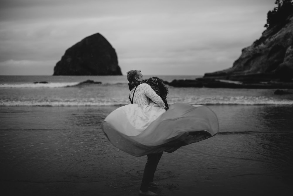 Cape Kiwanda - Elopement - Oregon - Wedding Photographer - Pat Cori Photography-83.jpg