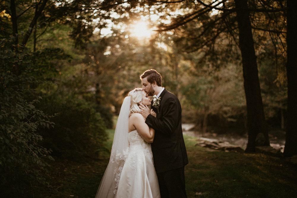 Four Fillies Lodge - Weddings - West Virginia - Wedding Photogra