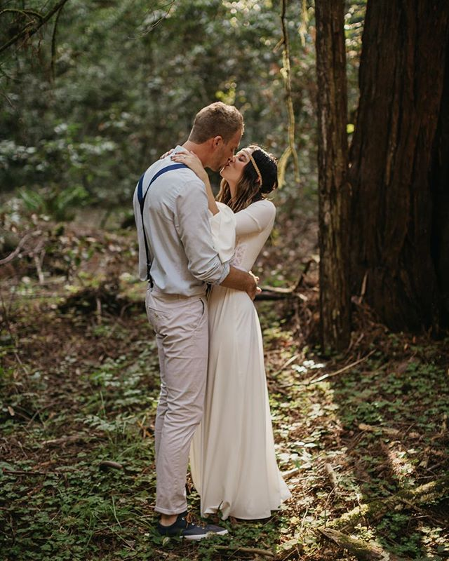 So many amazing weddings booked for 2019! I am so flipping excited and honored to be working with some incredible couples! 💕  Are you planning a wedding or elopement for this coming year? If so, get @ me now because my calendar is filling up. This past week alone I've locked in 3 new couples and I am OVER THE MOON. ✨  Still unsure of how to go about the whole hiring a wedding photographer thing? I've got a great article posted in my bio link you should check out. I promise it doesn't have to be a scary process! Let's do this thing!