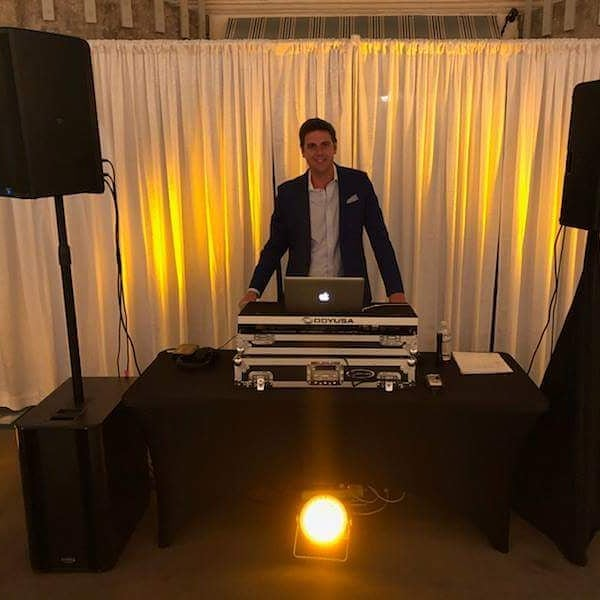 Special one night only dance party with Vic Micolucci in the Seachasers Lounge this Saturday night the 15th from 9-12! @vicmicolucci @vicmicoluccitv @wjxtVic #dj #danceparty #atlanticbeachfl #neptunebeach #jacksonvilledance #jacksonvillebeach #jaxbeachmusic #jaxbeach