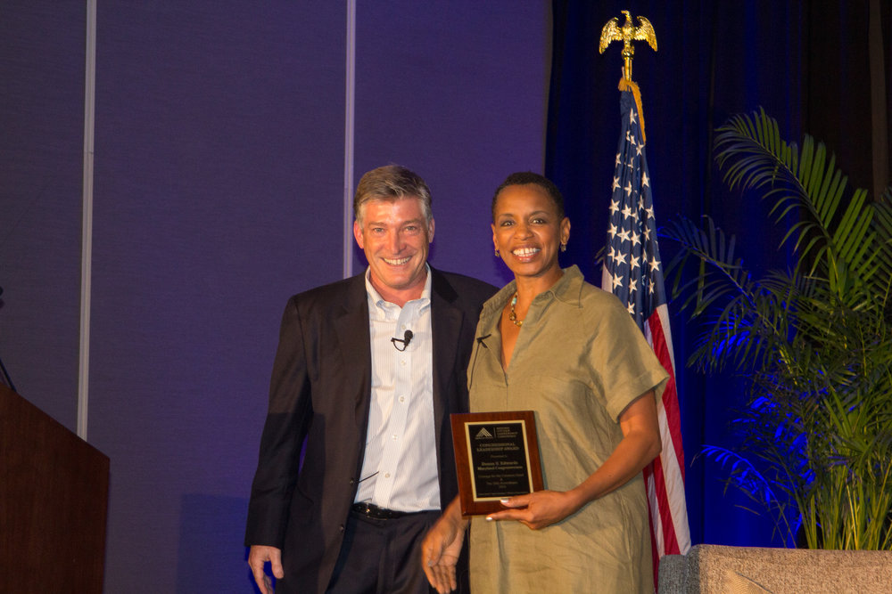 JC FAVE Jeff & Donna Edwards-award.jpg