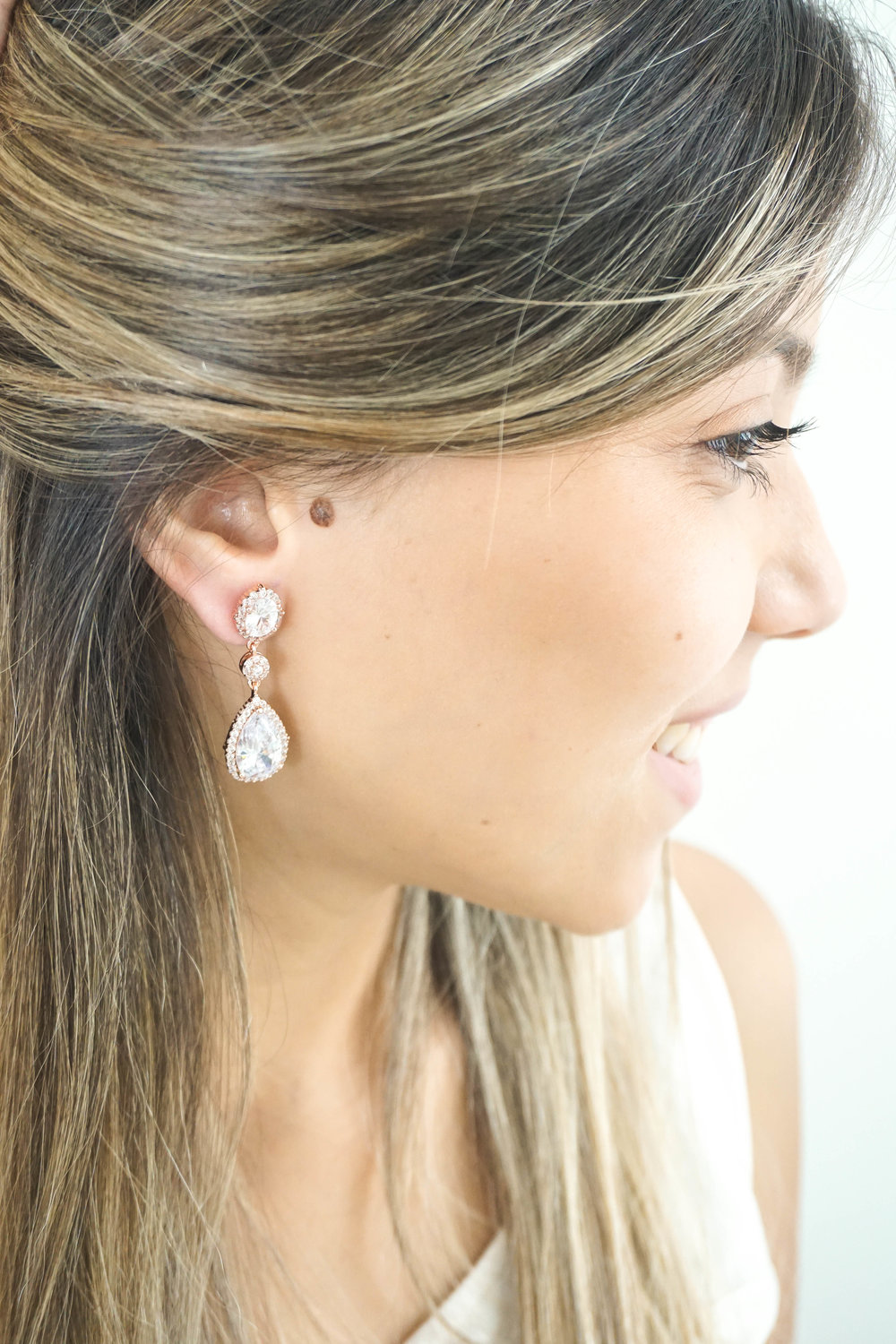 Bridal-Earrings-Photoshoot-with-Wink-of-Pink-Shop-Commercial-Photography-Bridal-Jewelry6.jpg