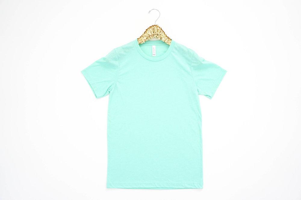 bright-and-colorful-product-mockup-tshirt-photoshoot25.jpg