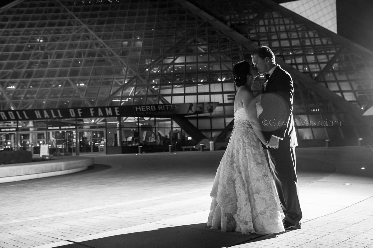 cleveland wedding photos duck island rock hall (15)