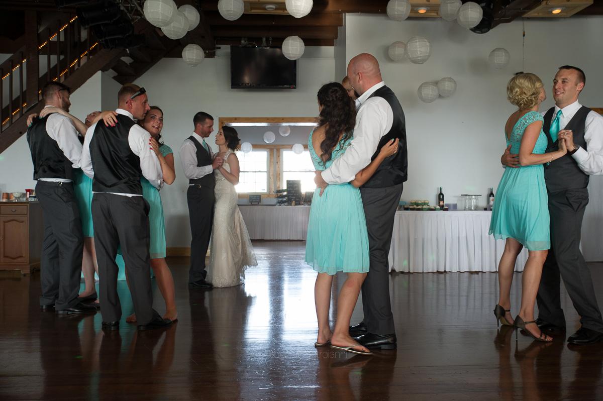 Skyview Brunswick Wedding Gillian Zach (26)