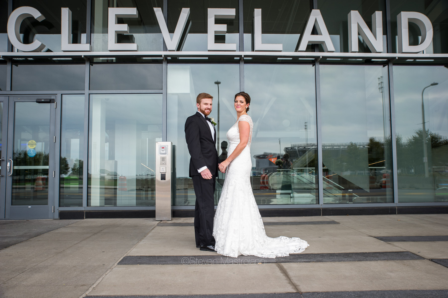 katie-and-brians-fall-cleveland-wedding-convention-center