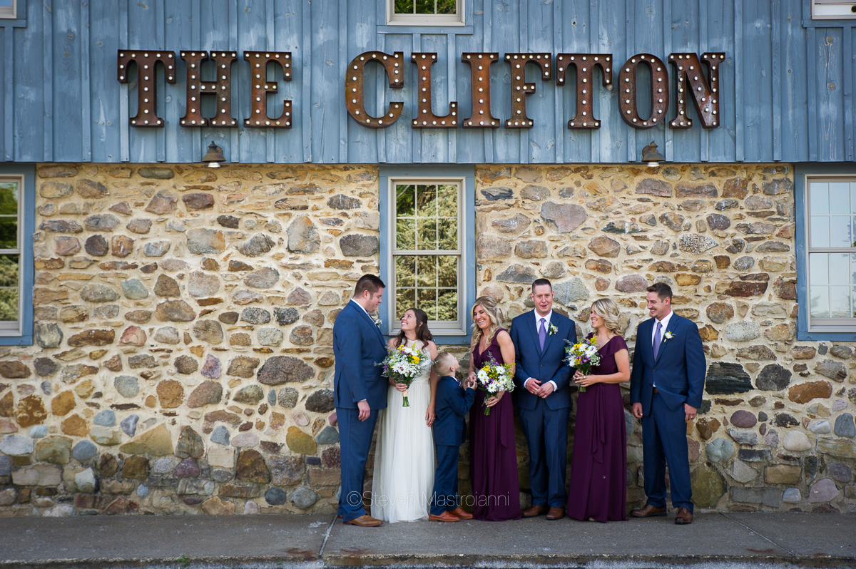 clifton-barn-wedding-nicole-sean (6)
