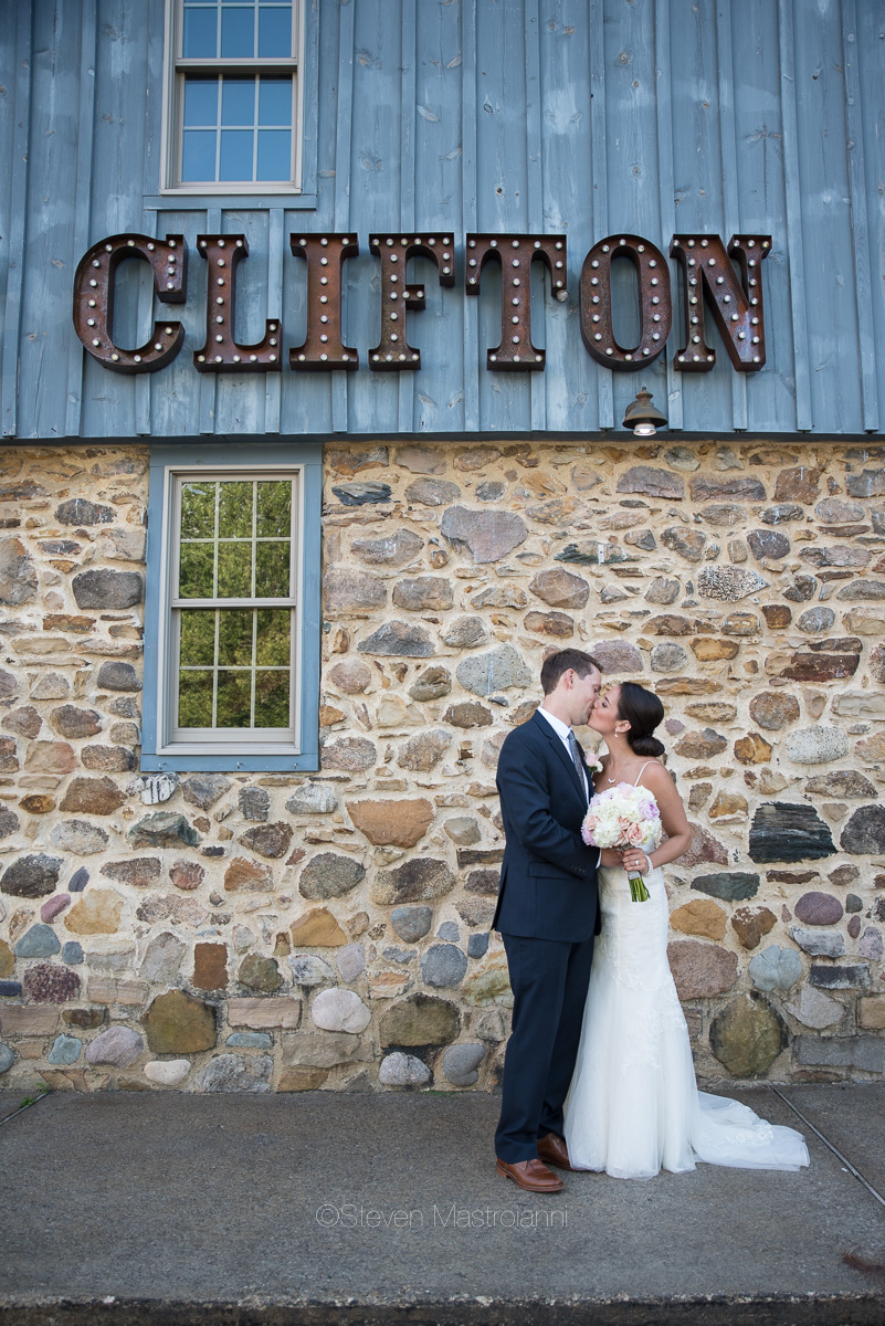 clifton barn wedding photos mastroianni (16)