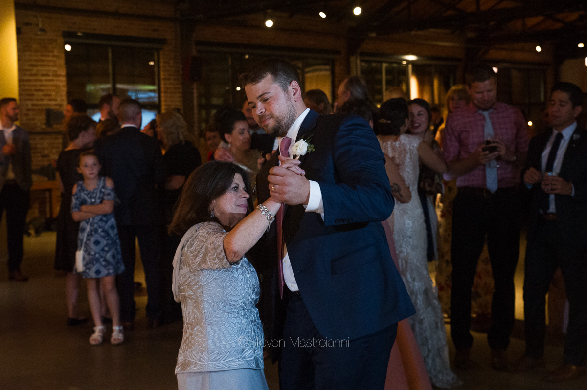 cleveland-wedding-photos-natalie-chris (3)