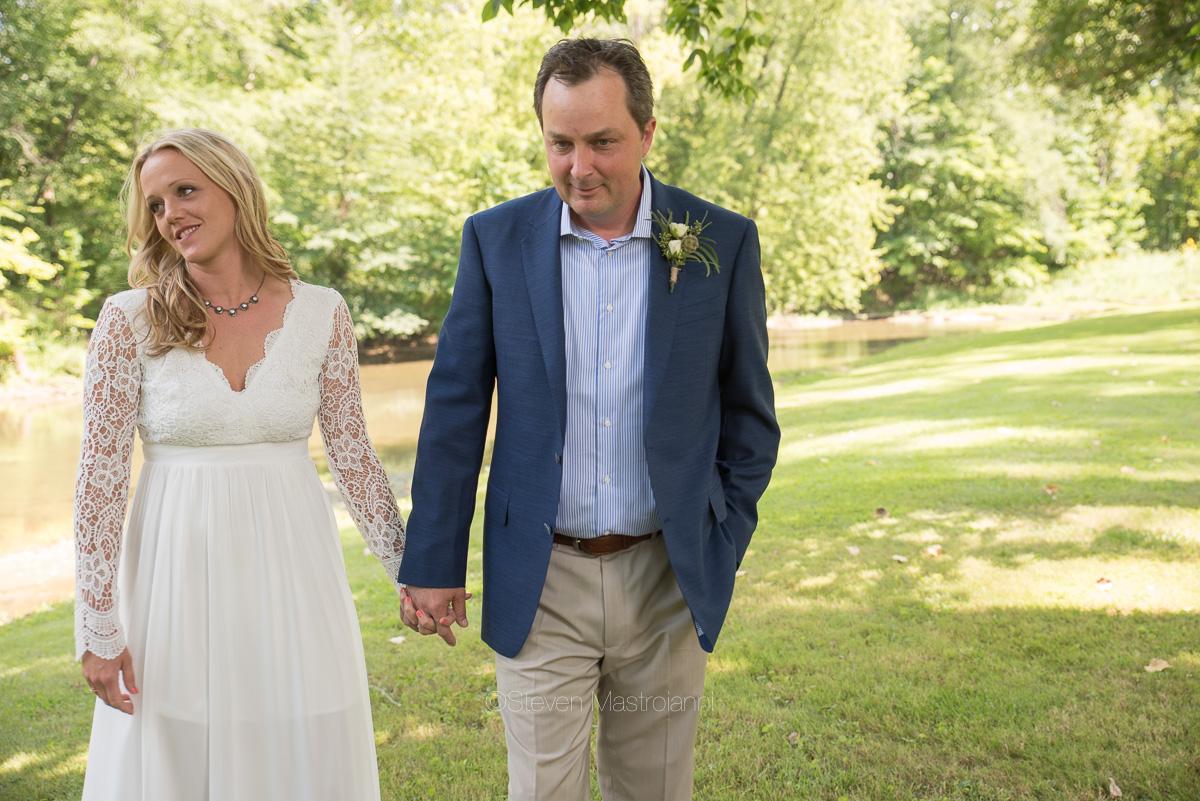 backyard-wedding-photos-cleveland-akron (29)