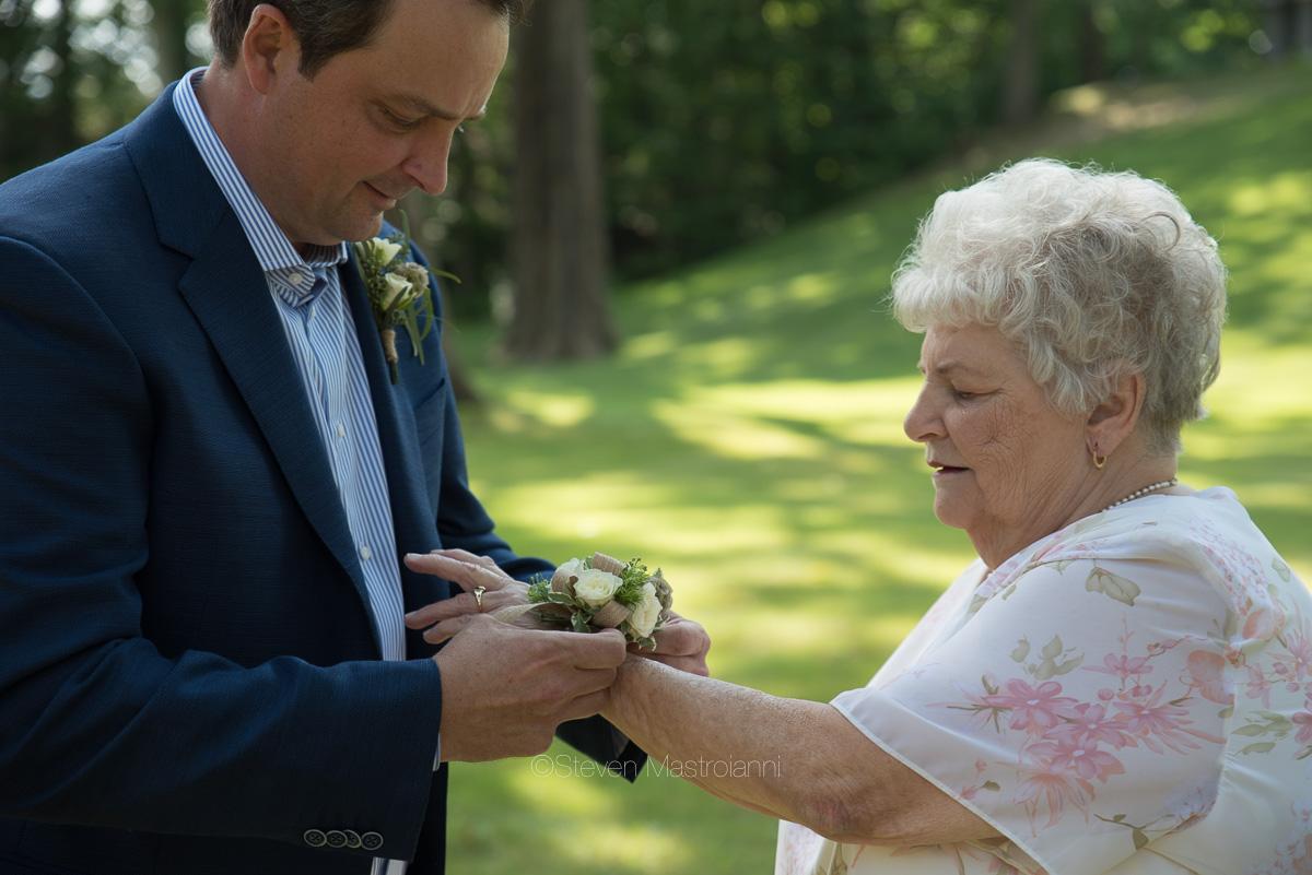 backyard-wedding-photos-cleveland-akron (28)