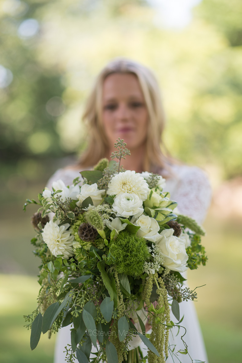 backyard-wedding-photos-cleveland-akron (23)