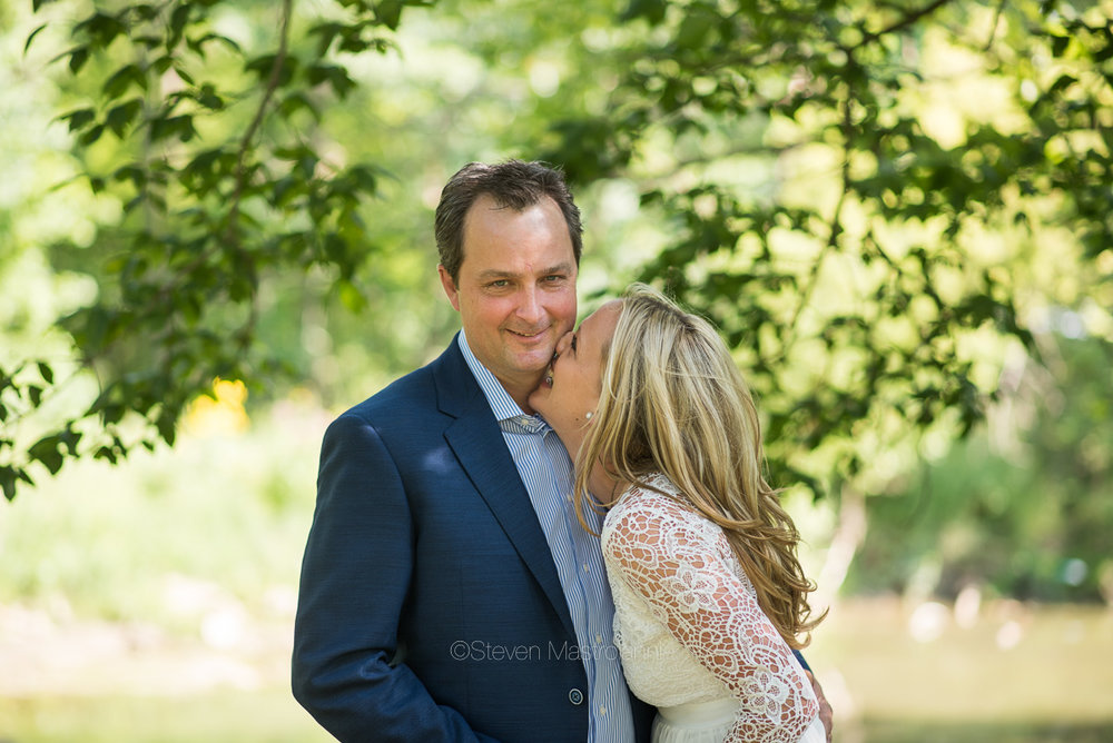 backyard-wedding-photos-cleveland-akron (20)