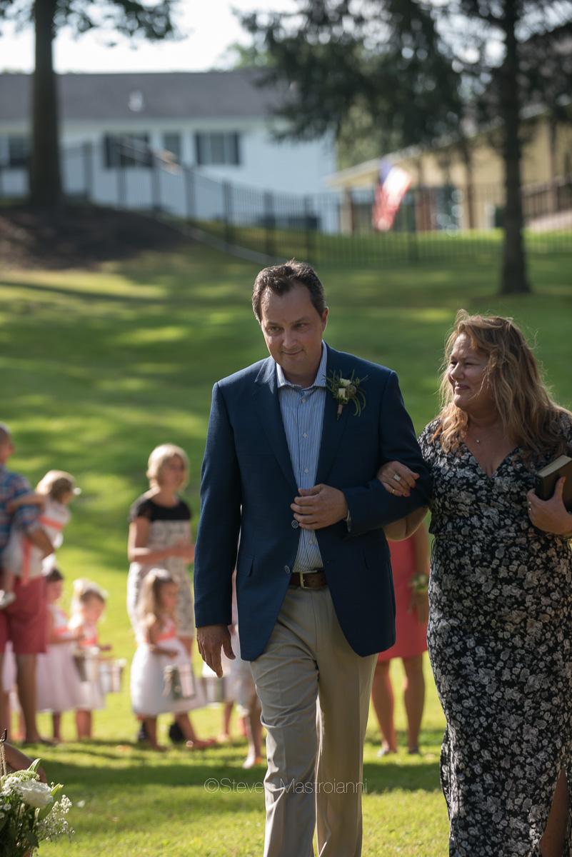 backyard-wedding-photos-cleveland-akron (18)