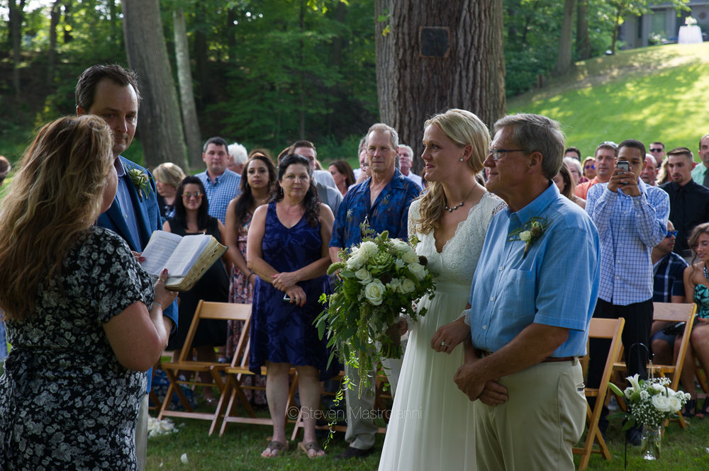 backyard-wedding-photos-cleveland-akron (12)