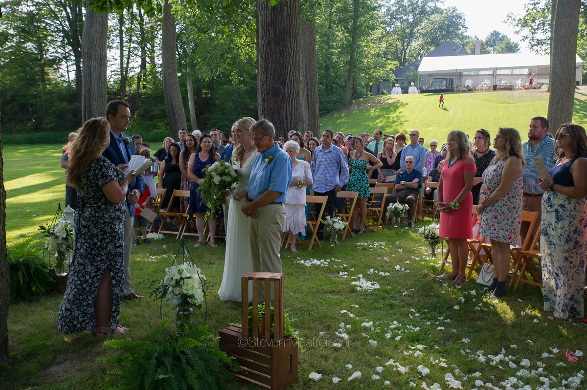 backyard-wedding-photos-cleveland-akron (10)