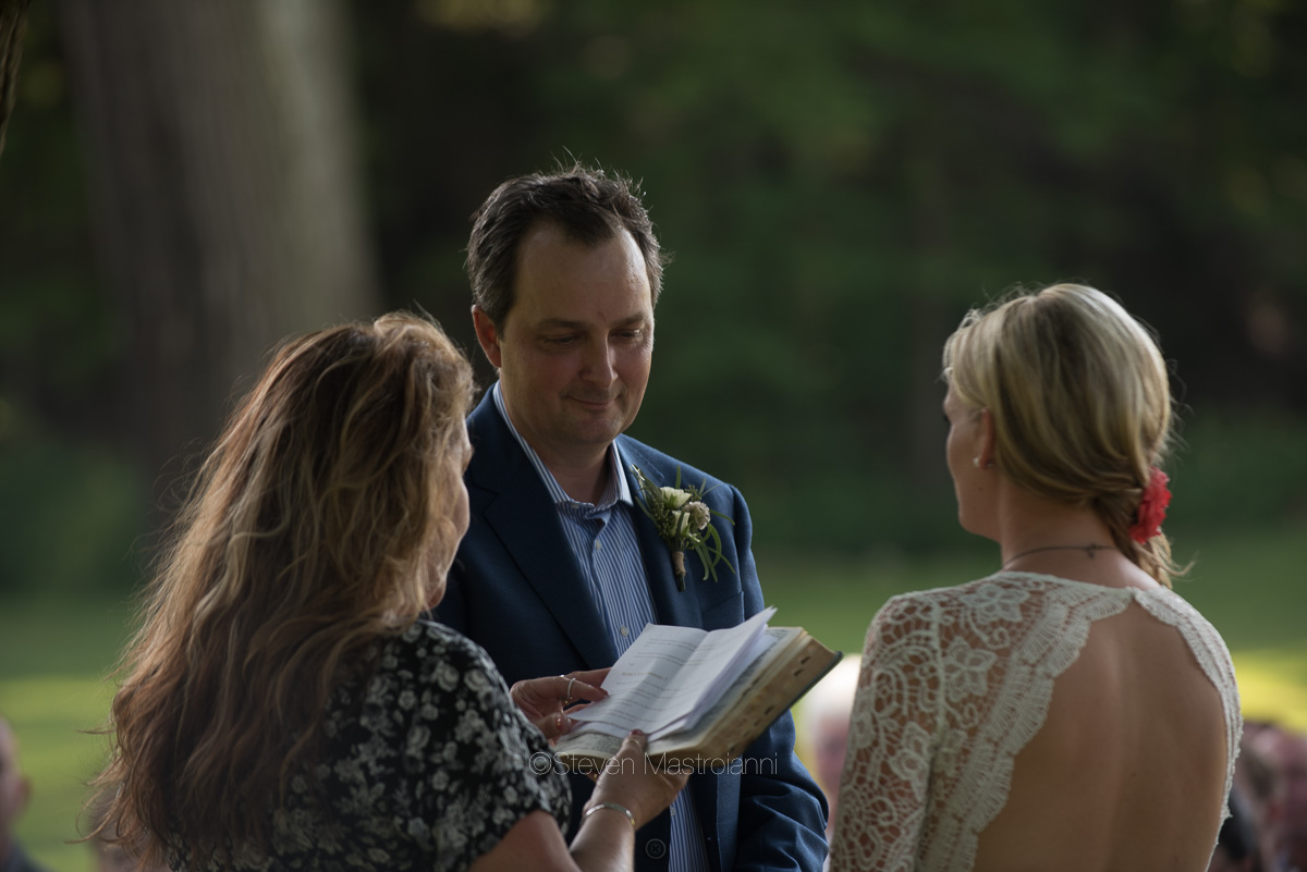 backyard-wedding-photos-cleveland-akron (7)