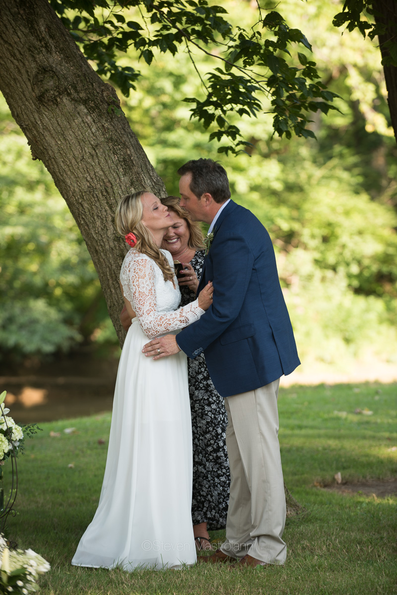 backyard-wedding-photos-cleveland-akron (6)