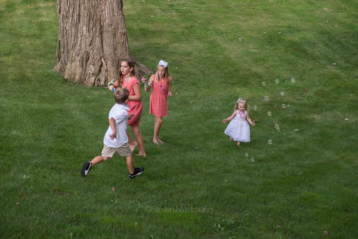 backyard-wedding-photos-cleveland-akron (5)