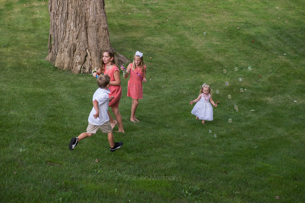 backyard-wedding-photos-cleveland-akron (5)