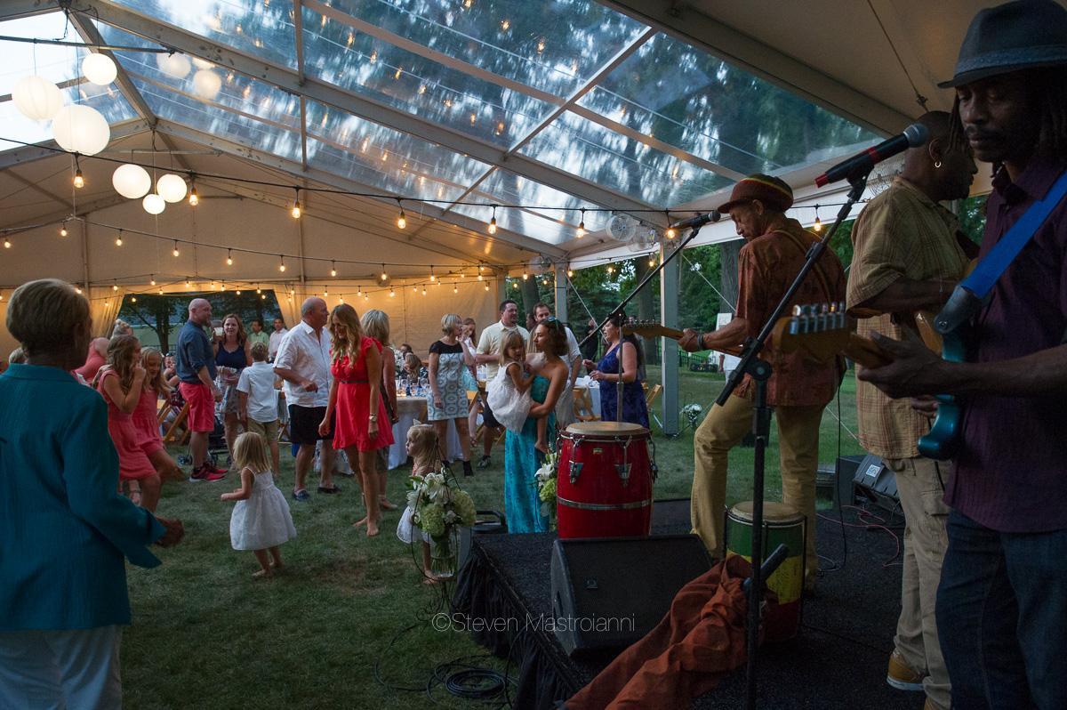 backyard-wedding-photos-cleveland-akron (2)