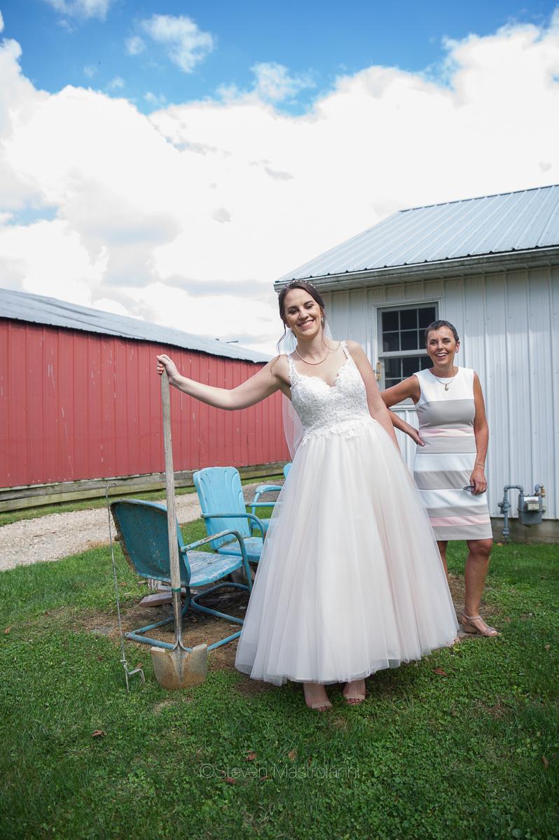 farm-wedding-photos-cleveland-photographer-mastroianni (38)