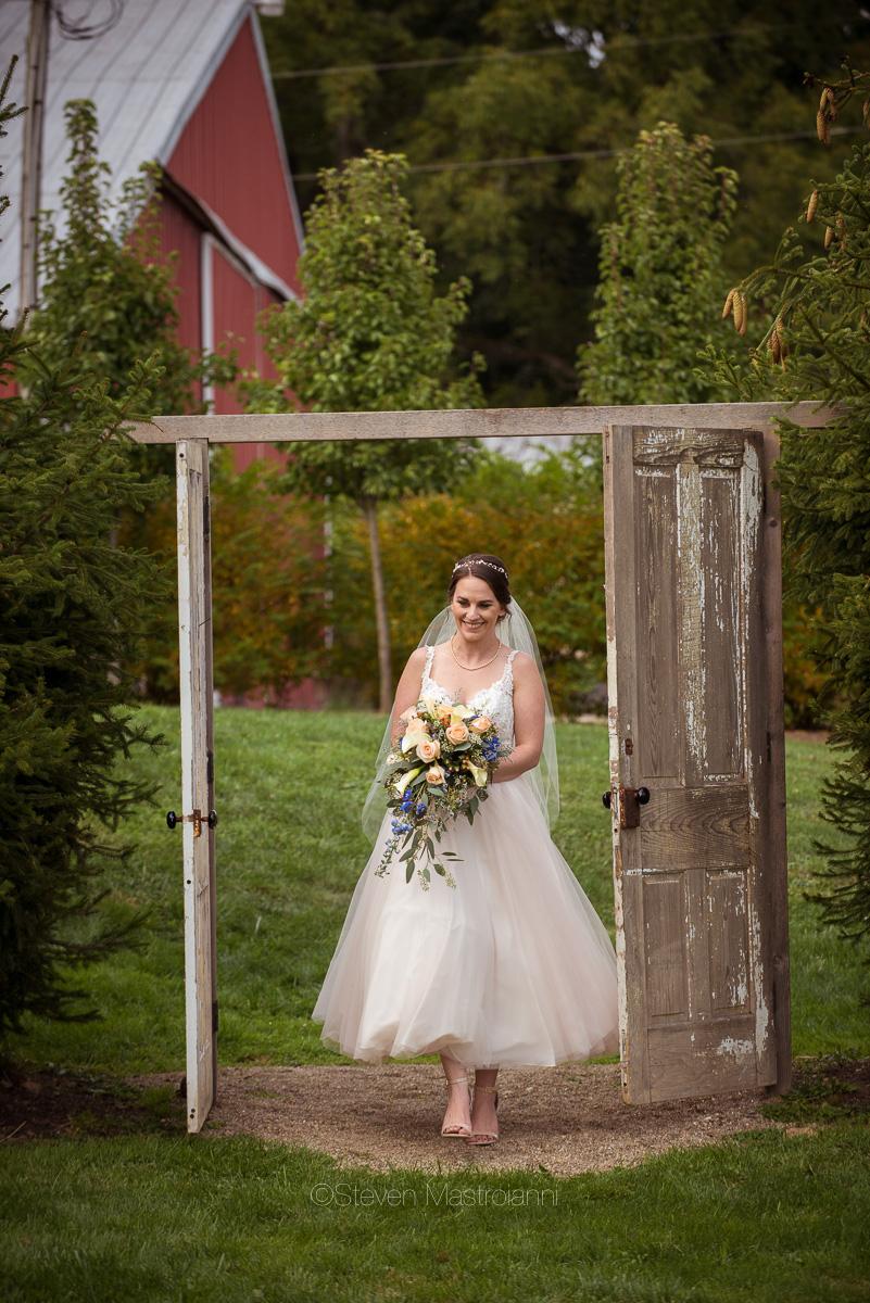 farm-wedding-photos-cleveland-photographer-mastroianni (29)