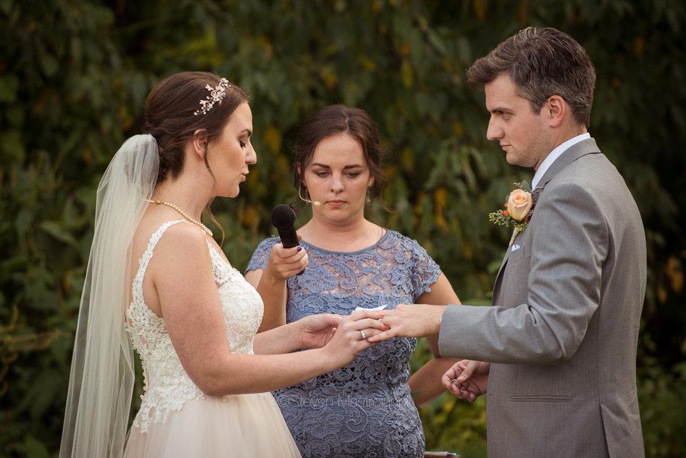 farm-wedding-photos-cleveland-photographer-mastroianni (26)