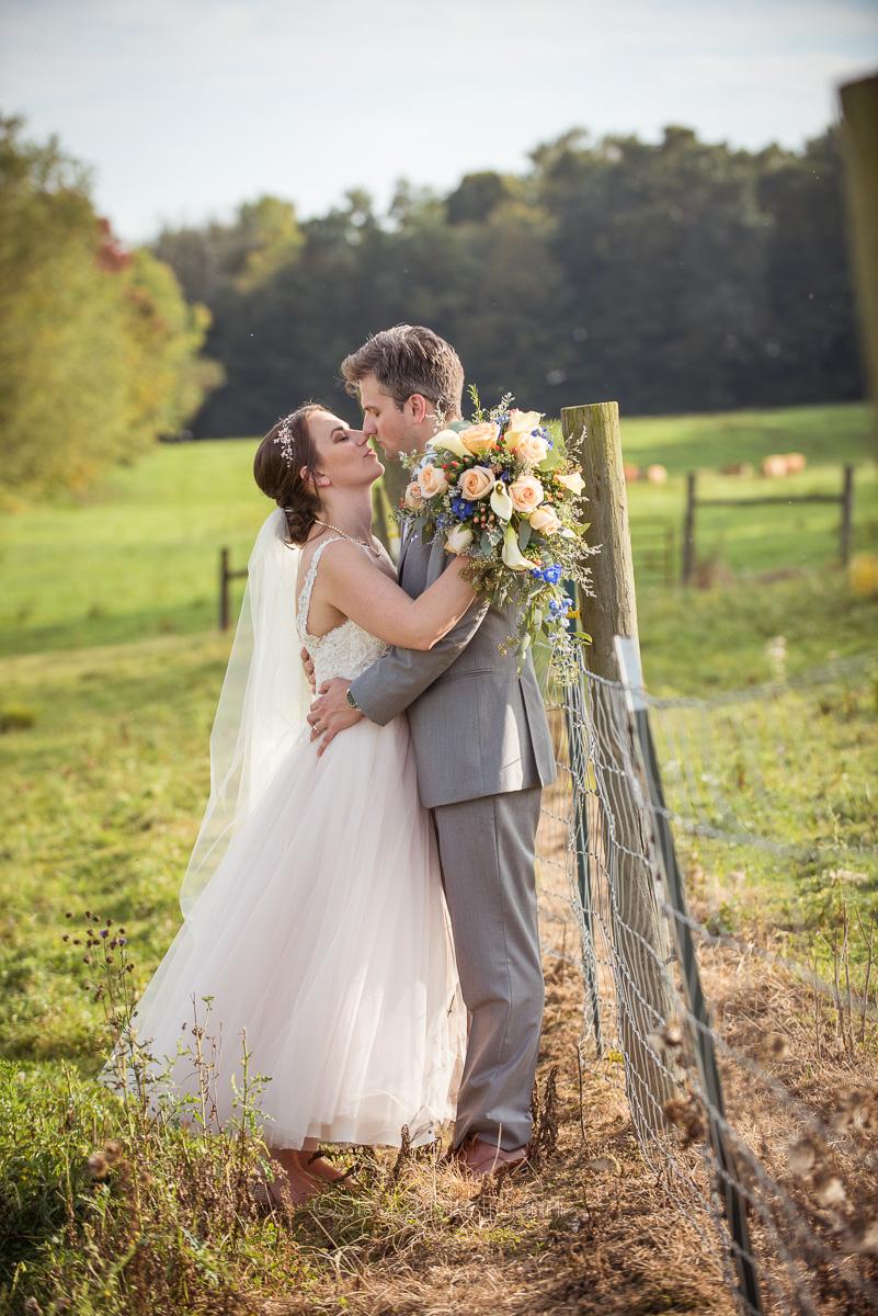 farm-wedding-photos-cleveland-photographer-mastroianni (13)