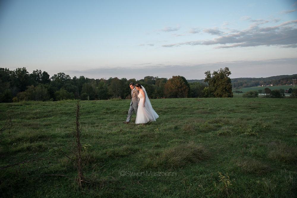 farm-wedding-photos-cleveland-photographer-mastroianni (10)