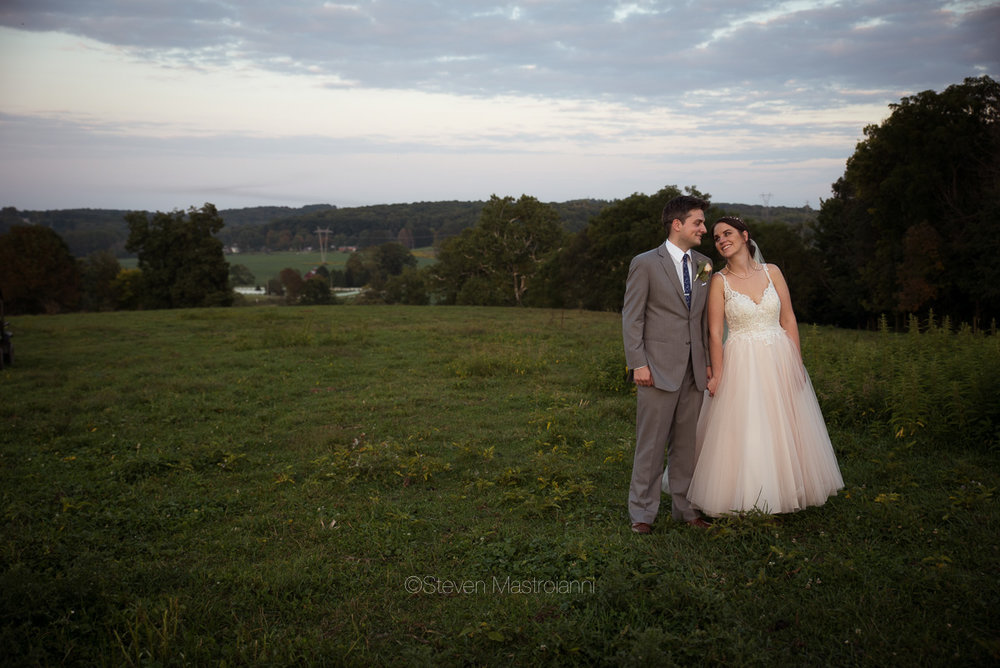 farm-wedding-photos-cleveland-photographer-mastroianni (7)