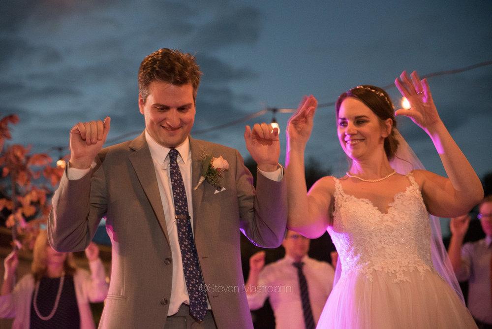 farm-wedding-photos-cleveland-photographer-mastroianni (2)