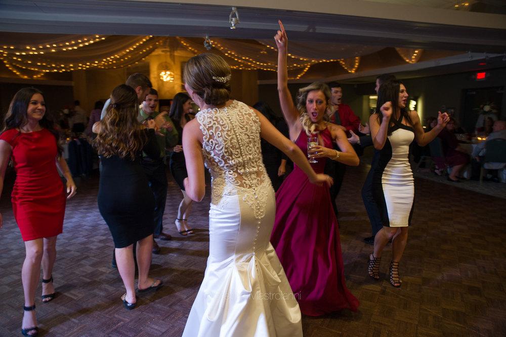 st-michael-woodside-wedding (30)