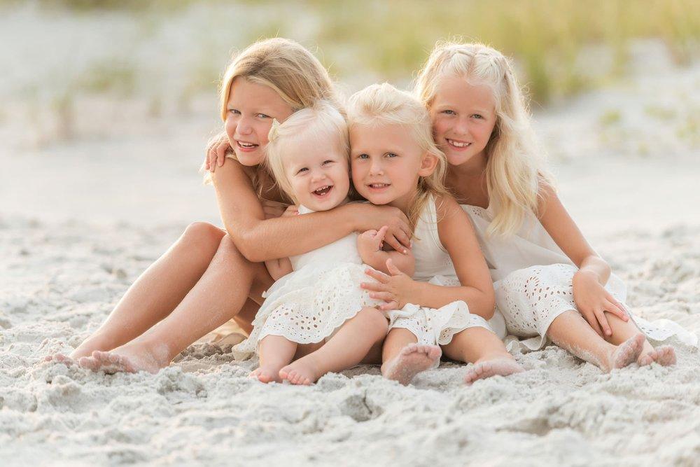 30 beach photographer captures family portrait of kids