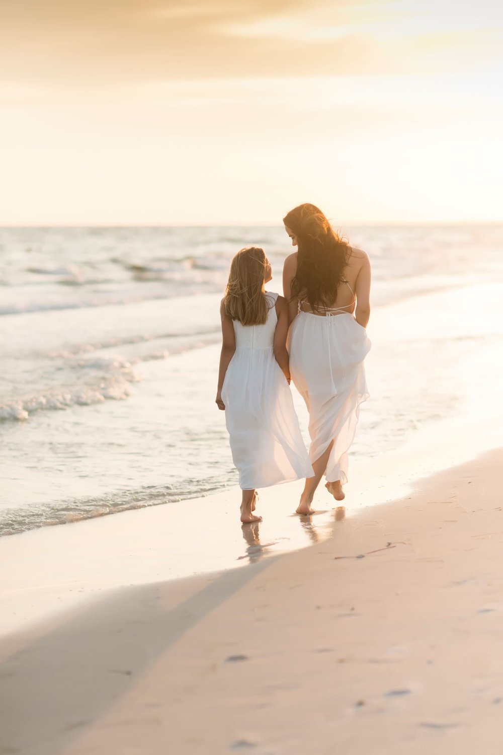 seaside beach photographer captures image of couple in 30A