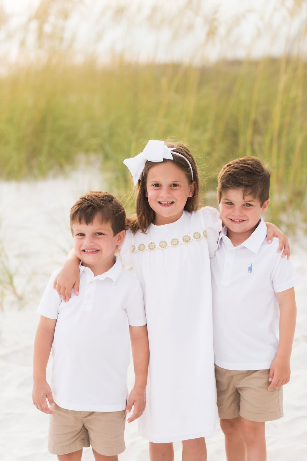 destin beach photographer captures image of family on vacation in 30A florida