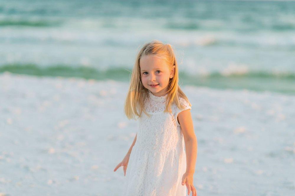 30 beach photographer captures child portrait