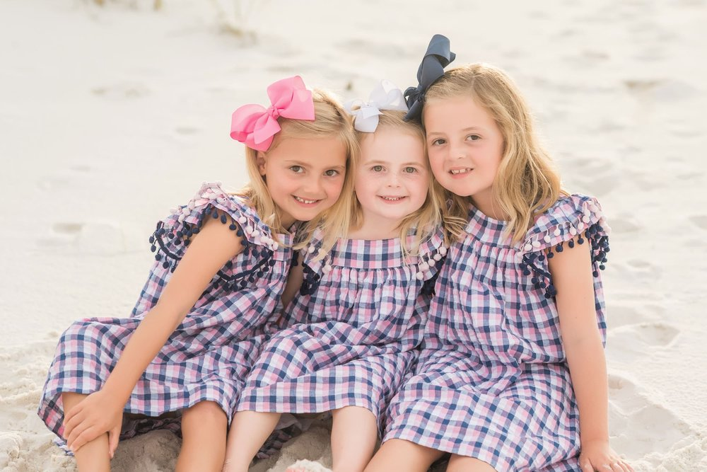 professional photographer captures sisters at Pensacola Beach