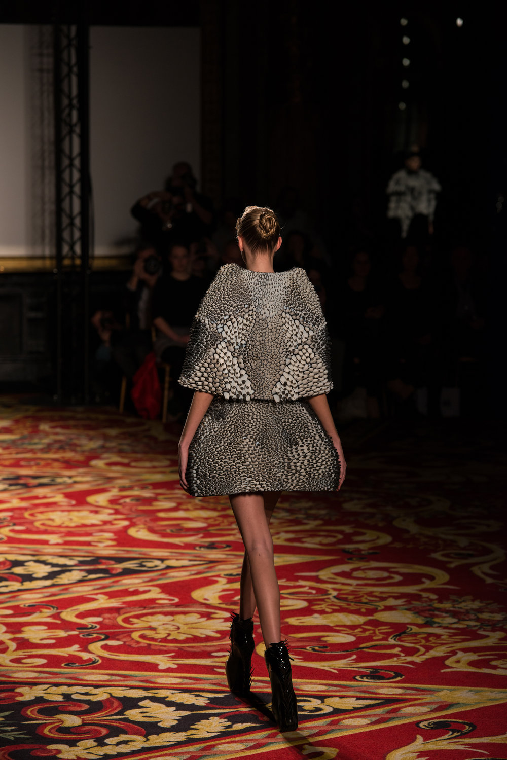 Stratasys-3D-Printed-Cape&Skirt-with-Objet-Connex-Multi-material-3DPrinted-Technology5_300dpi.jpg