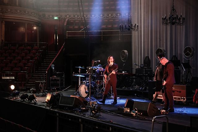 Soundcheck @RoyalAlbertHall - London, U.K. supporting @OfficialBunnymen. ⠀ ⠀ 📸 @ChristieGoodwin ⠀ .⠀ .⠀ .⠀ .⠀ #ENATION #RoyalAlbertHall #Alternative #NewWave #Bunnymen #Soundcheck