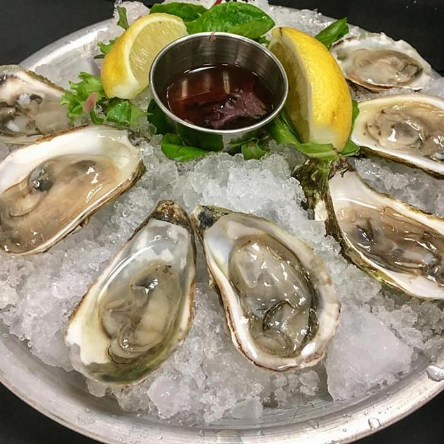 Boston's harbor-side location allows easy access to the aphrodisiac of the sea-oysters.... Come get them 🥂