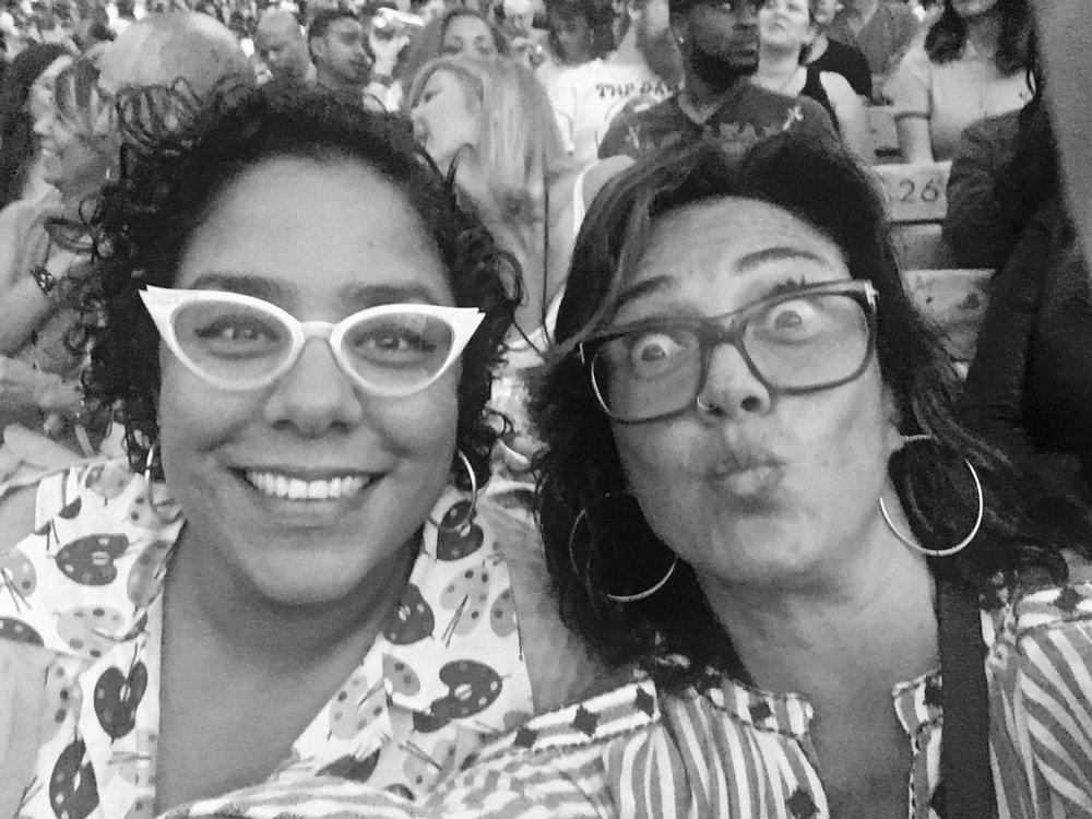 La marisoul y Claudia brant. Hollywood Bowl