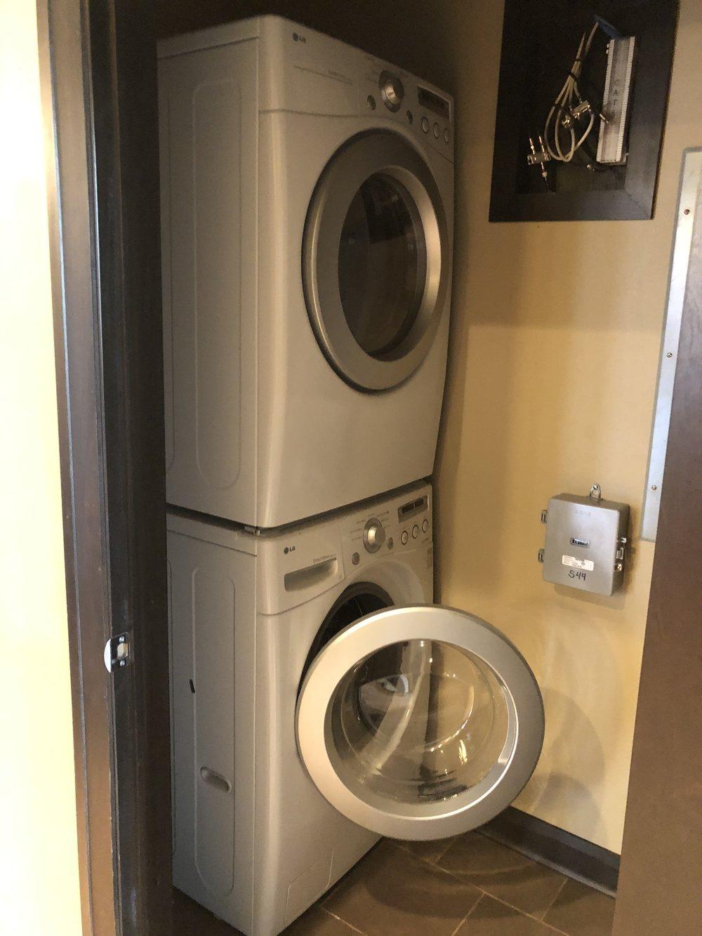 3 Main202 Laundry.JPG