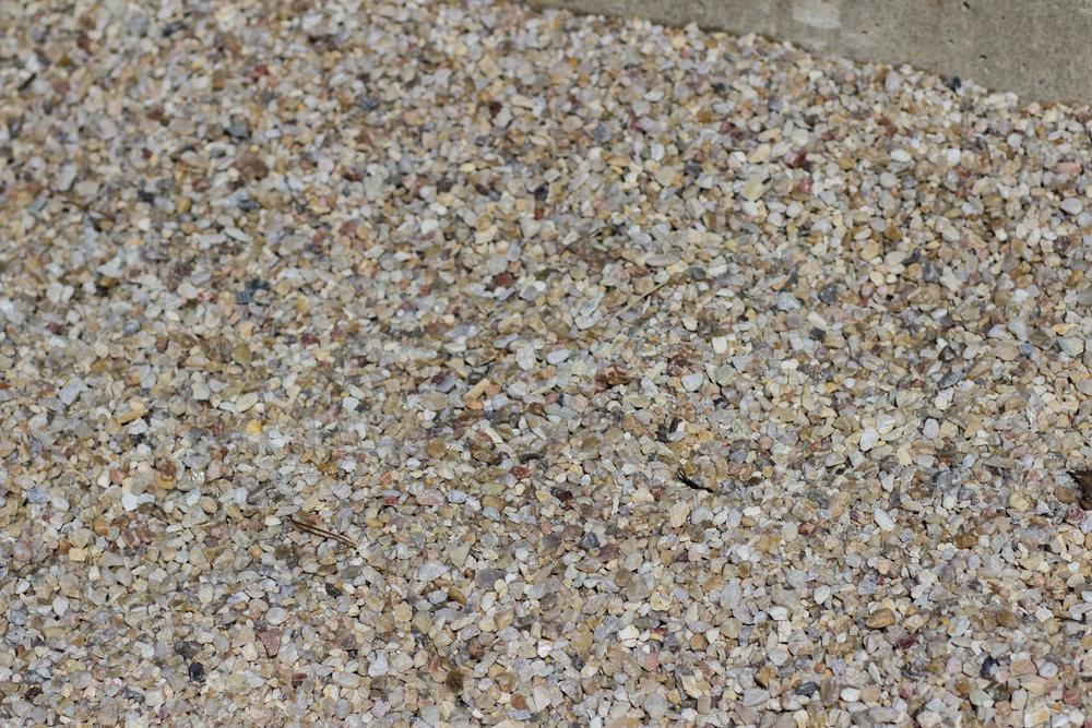 pea gravel -