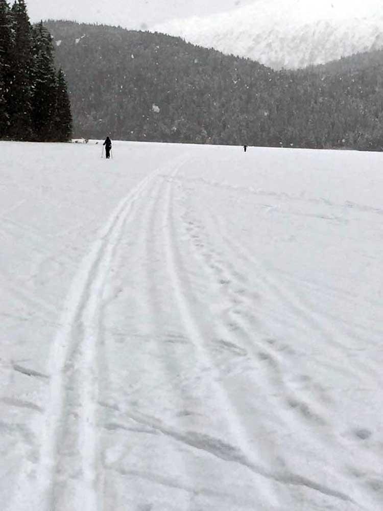 Snowy-Bear-Lake.jpg