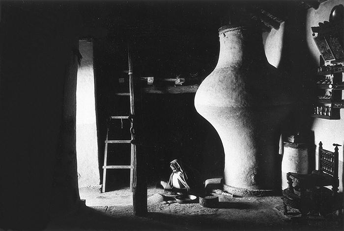 Bhupendra Karia, Woman and Silo, Bhakarla, 1968